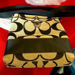 Coach crossbody signature bag